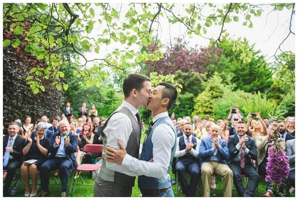 Ireland dating: GayXchange - Gay chat network